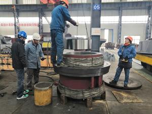 中亚37S磨辊轴承安装